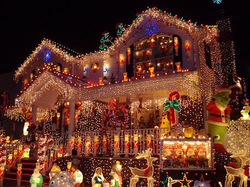 beautiful-christmas-house-lights-places-Favim.com-282446